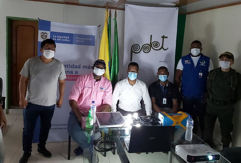 Gobierno chino donó 3.000 paneles solares  indígenas y afros del Chocó