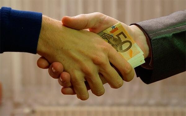 Seguros pagan los platos rotos de la corrupción: Aseguradora Solidaria