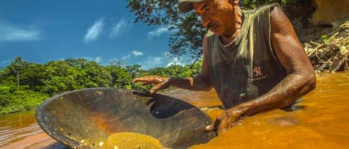 ¿Qué está pasando con el tráfico de oro en Colombia?