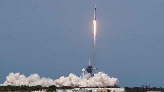 Lanzamiento de SpaceX y la NASA:  Doug Hurley y Bob Behnken, a bordo de la Crew Dragon