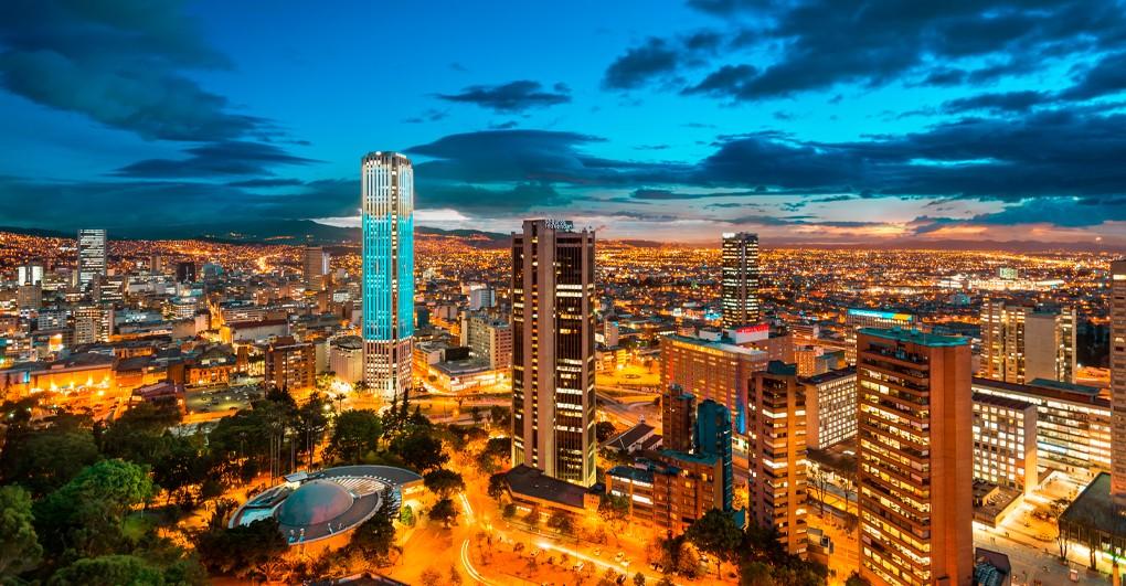 Bogotá 16 de junio: pico y cédula, comercio sin IVA. Contagiados por Covid19 Colombia: 53.063, muertes 1.726.