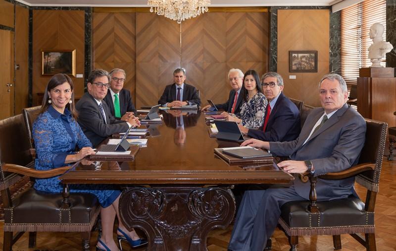 Junta Directiva del Banco de la República redujo su tasa de interés a 2%. Dólar EE.UU 3.064