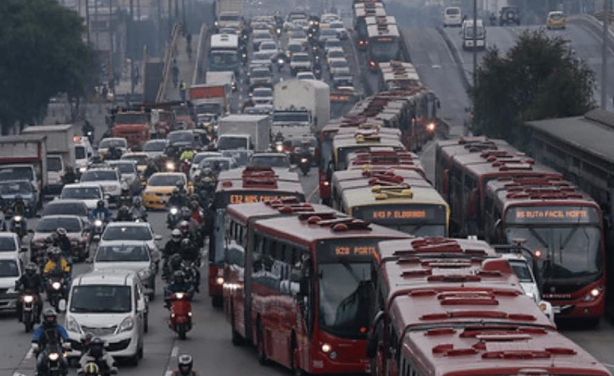 Bogotá, tráfico lento, trancones a granel ¿los gobiernos ausentes?