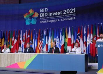 El BID y Colombia firmaron crédito para lucha contra cambio climático