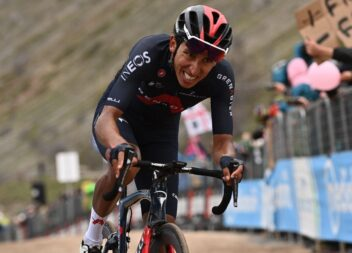 Edgan Bernal en la octava etapa inició la fiesta del Giro de Italia