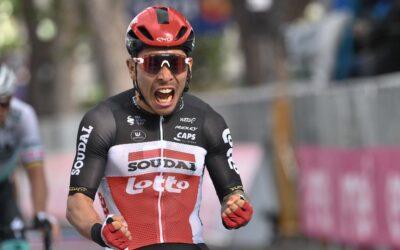 Caleb Ewan gana la  5ª del Giro, De Marchi sigue en Maglia Rosa
