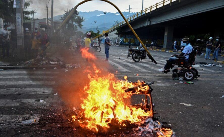 Van 10 muertos el 28 de mayo. Enfrentamientos e incendios en Cali