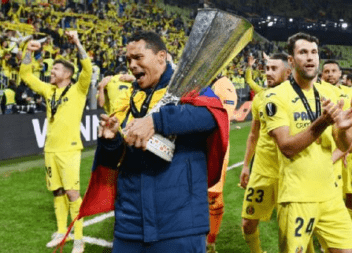 ¡Histórico! con Villarreal: Bacca campeón de Europa League por 3ª ocasión