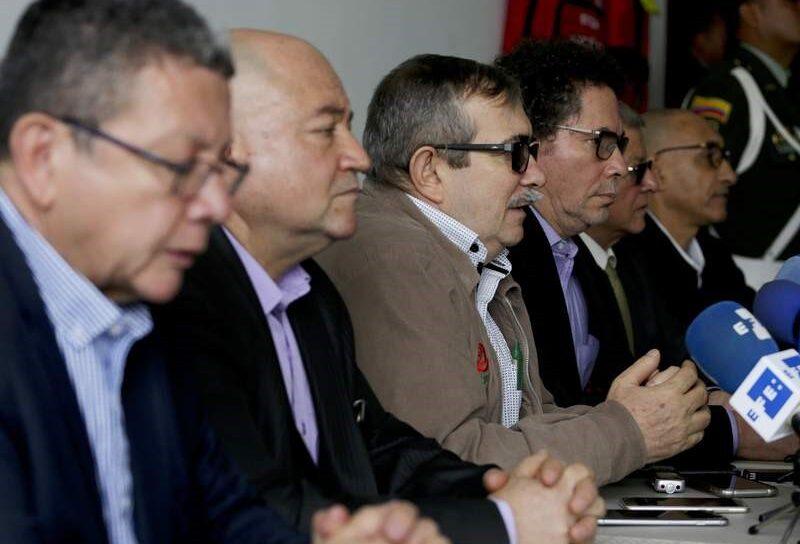 Exjefes de FARC aceptan responsabilidades. 'Contribución a la verdad' Santos