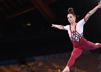 Contra el sexismo gimnastas alemanas van con largos. Pink paga multa