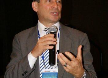 Alberto Mora Portugués, dicta seminario sobre gobernanza corporativa en las cooperativas