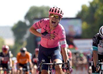 Victoria sorpresiva para Senechal. Odd Christian Eiking, líder Vuelta 21