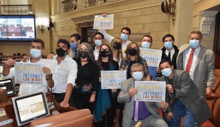 """""""Colombia es el Valle del robo"""": Moción de Censura"""
